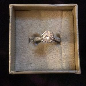 Size 10 ring.